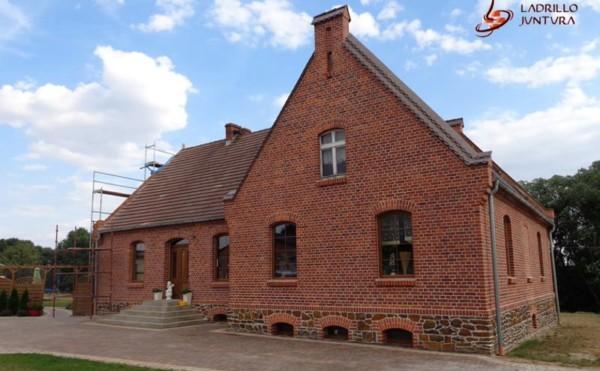 Renowacja ceglanego domu – Remont elewacji z cegły