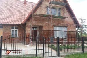 Renowacja cegieł i nowe tynki zewnętrzne - w trakcie prac 1