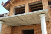 Spoinowanie domu na czysto. Żółta cegła i czarna spoina (2)