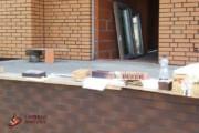 Spoinowanie domu na czysto. Żółta cegła i czarna spoina (3)